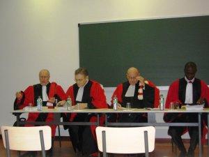 Tidiane DIOH siégeant dans un jury de thèse de doctorat à l'Université Toulouse le Mirail, en janvier 2012